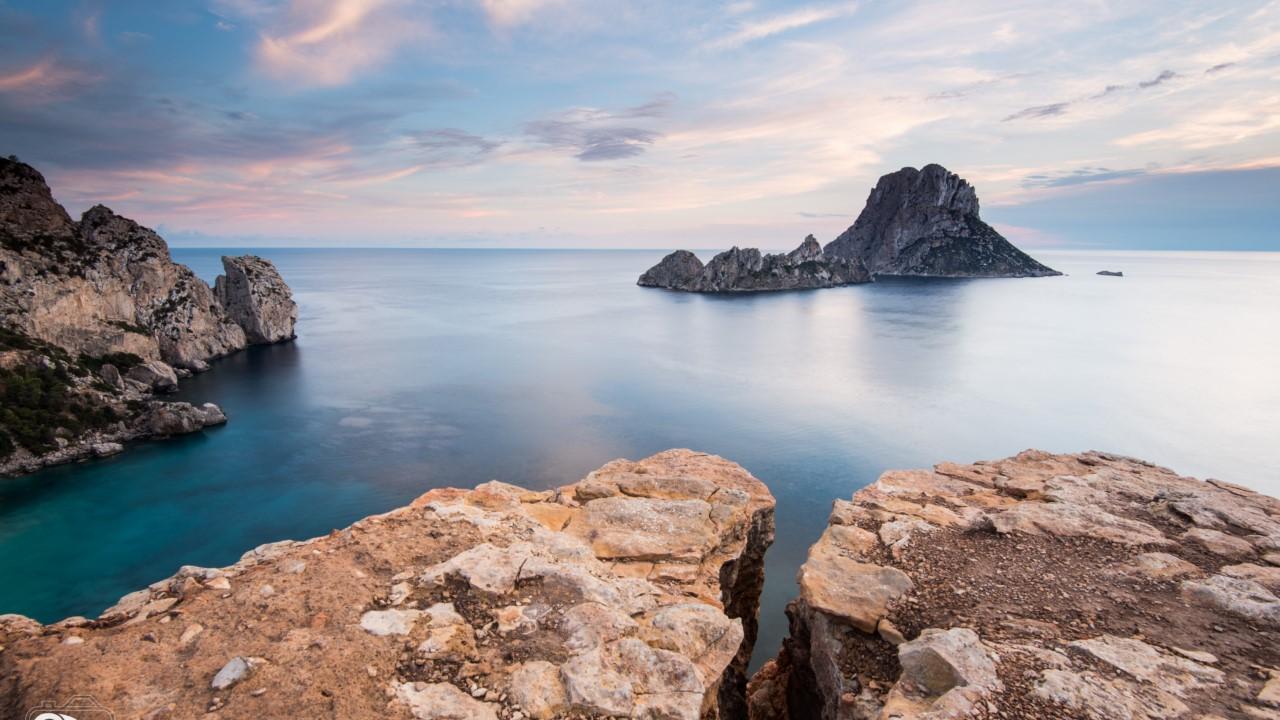 Hostal en Ibiza, alrededores.