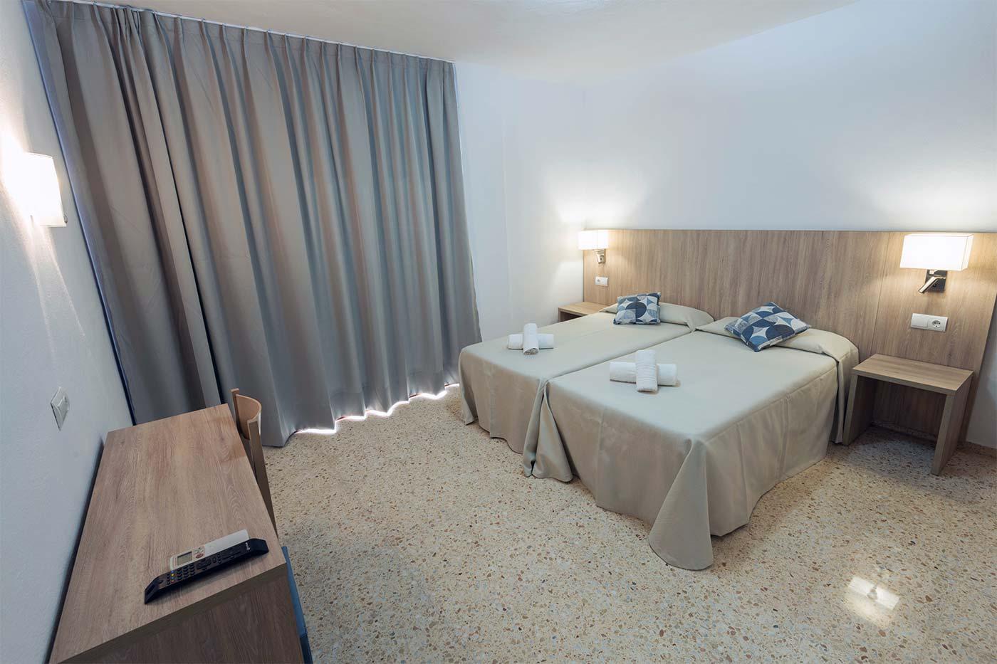 Habitación doble en Ibiza