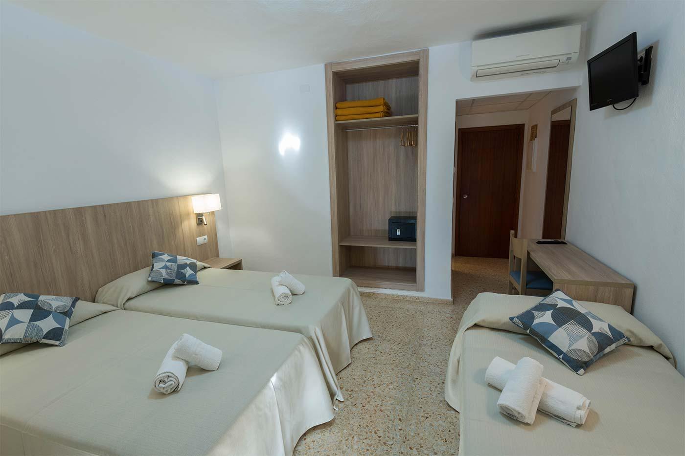 Habitación doble más supletoria en Ibiza